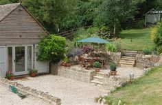 4 Bedroom Barn in Cheltenham to rent from £545 pw. With wheelchair access, Log fire, TV and DVD.