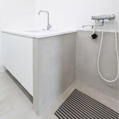Kurahuone / kodinhoitohuone Bathroom Toilets, Bathrooms, Mudroom, Home Projects, Entrance, Household, New Homes, Bathtub, House Design