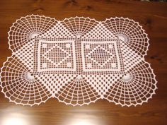 centrino classico grande uncinetto euro 45.00 Crochet Square Patterns, Crochet Lace Edging, Filet Crochet, Hand Crochet, Lace Doilies, Crochet Doilies, Crochet Flowers, Crochet Table Runner, Crochet Food