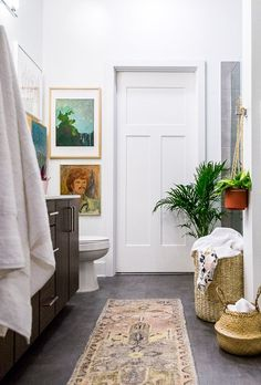 An eclectic mix of geo and boho modern with this master bathroom makeover. In partnership with @bollandbranch. #bollandbranch #bollandbranchbath #ad