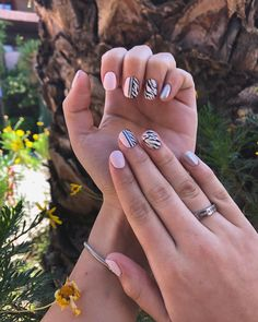 Chile cool nails, pink nails, zebra nails, beautiful nails, chile instagram: _cooolnails Engagement Rings, Nails, Pink, Beauty, Jewelry, Zebra Nails, Enagement Rings, Finger Nails, Wedding Rings