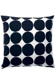 Marimekko Made of cotton, this pillow cover adds some modern simplicity to the living room, bedroom, or office. And the zipper is hidden so it won't distract from the main attraction. Perfect to share with good company. Modern Throw Pillows, Fur Throw Pillows, Throw Pillow Sets, Outdoor Throw Pillows, Decorative Pillows, Marimekko, Cotton Pillow, Cool Designs, Living Room