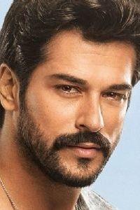 Turkish Men, Turkish Actors, Beautiful Men Faces, Gorgeous Men, Nice Outfits For Men, Film Man, Latin Men, Arab Men, Awesome Beards