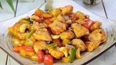 Tämä thairuoka sisältää paljon rapeita kasviksia ja terveellisiä pahkinöitä. I Love Food, Good Food, Yummy Food, Wine Recipes, Asian Recipes, Ethnic Recipes, Fast Dinners, Easy Meals, Healthy Cooking