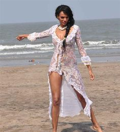 bikini photos of Judi Shekoni