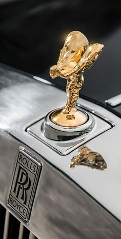 Rolls Royce – One Stop Classic Car News & Tips Auto Rolls Royce, Voiture Rolls Royce, Rolls Royce Motor Cars, Rolls Royce Logo, Rolls Royce Wallpaper, Rolls Royce Phantom, Hood Ornaments, Car Wallpapers, Car Detailing