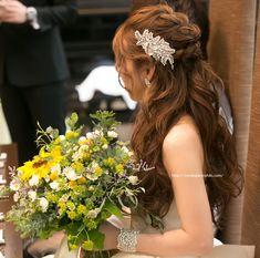 挙式と披露宴・お色直しのヘアスタイル紹介!【花嫁ヘア】シニヨン・ハーフアップ・お団子など   ゼロから始める結婚式の準備 Hair Arrange, About Hair, Bridal Style, Bridal Hair, My Hair, Wedding Hairstyles, Wedding Inspiration, Long Hair Styles, Bride