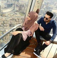 Sham & Froggy in Dubai Cute Muslim Couples, Muslim Girls, Cute Couples, Beautiful Muslim Women, Beautiful Hijab, Arab Couple, Couple Dps, Couple Shoot, Couple Goals