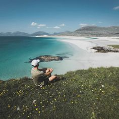 Can you guess where this amazing beach is?   Clue: It starts with Scot and ends with land  @deniscebulec  Tap on our link in bio then tap this pic to explore Scotland