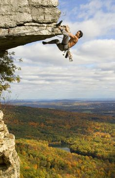 Rock Climbing Who knew these beautiful Shawangunk Mountains were so close to home in NYC! How better to learn the basics of rock climbing than while you're taking in the fresh air and exquisite scenery? Ice Climbing, Mountain Climbing, Trekking, Escalade, Whitewater Kayaking, Canoe Trip, Extreme Sports, Mountaineering, Climbers