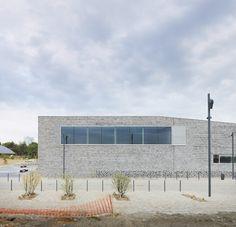 Galería de Escuela Grupo Paulette-Deblock / zigzag architecture - 13