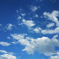 I have a really beautiful view today. #calgaryisbeautiful #bluesky #clouds #blue #summer