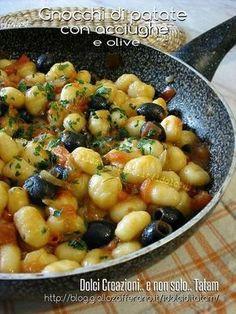 Gnocchi di patate con acciughe e olive   ricetta primo piatto