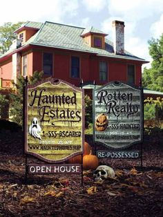Great idea for Halloween yard signs. You could make any size! Halloween Signs, Holidays Halloween, Spooky Halloween, Vintage Halloween, Halloween Crafts, Happy Halloween, Halloween Decorations, Halloween Party, Halloween Ideas