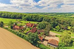 Fair Oak Farm - Picturesque country retreat for 36 people in East Sussex. Country Estate, Country Farm, Country Houses, Hut House, Farm House, Cow Shed, Pet Friendly Holidays, Hay Barn, Fair Oaks