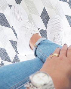 ️ Friday Sneakerlove  #accessories #armcandy #details #detailsoftheday #dotd #fashion #fwis #Hamburg #hh #instafashion #jewellery #jewelry #kicks #nike #nikeroshe #ootd #seiko #sneaker #sneakerholics #sneakerlove #watch #watches #whitesneaker