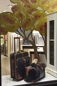 Mulberry Autumn Winter 2014 Windows by Elemental Design. Photo Courtesy of Mulberry.