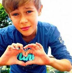 Benjamin Lasnier love me <3