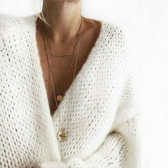 layered necklaces an