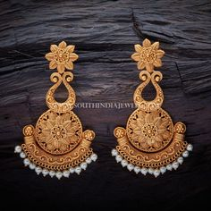Antique Jewelry Exchange Antique Necklace And Earring Antique Jewellery Designs, Gold Earrings Designs, Antique Jewelry, Vintage Jewelry, Jewelry Design, Jewelry Gifts, Jewelery, Gold Jewellery, Antique Earrings