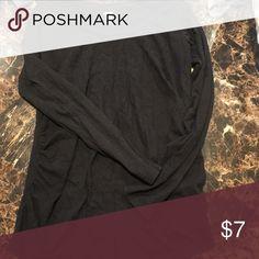 Maternity long sleeve tee Old navy. Size small. Black. Tops Tees - Long Sleeve
