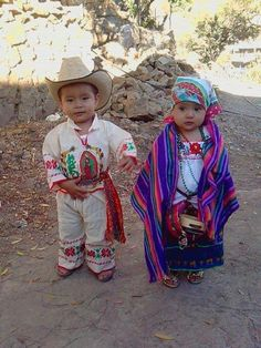 Little ones in Mexico. Indigenous little ones! Precious Children, Beautiful Children, Beautiful Babies, Beautiful People, Kids Around The World, We Are The World, People Of The World, Cultures Du Monde, World Cultures