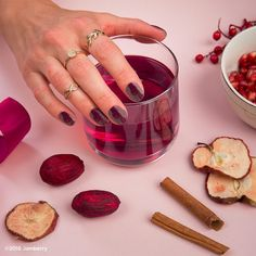 The November Colour Pop from Jamberry has been launched and is only available while stocks last - this month is a gorgeous glitter gel.