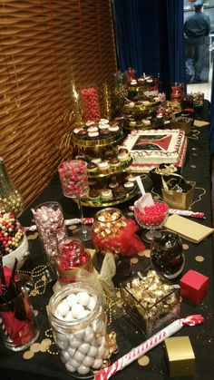 Black, red and gold candy buffet bars and buffets. Gold Candy Buffet, Candy Table, Casino Party Decorations, Casino Theme Parties, Casino Night Party, Hotel Party, Candy Bar Party, Casino Cakes, Sweet 16 Parties