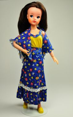 Welcome to our Sindy museum, our online reference site for Pedigree Sindy doll outfits 1963 to Sewing Doll Clothes, Sewing Dolls, Vintage Barbie, Vintage Dolls, Suzy, Sindy Doll, Cotton Jumper, Matches Fashion, Barbie Accessories