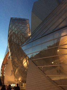 Fondation Louis Vuitton Paris Franck Gehry Fondation Louis Vuitton, Frank Gehry, Glass Houses, Skyscraper, Multi Story Building, Louvre, Journey, Paris, Architecture