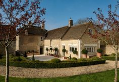 Outdoor area designed by Sims Hilditch for Converted English Farmhouse project. ©