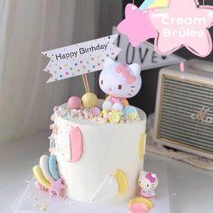 Bolo Da Hello Kitty, Hello Kitty Fondant, Hello Kitty Pinata, Twin Birthday Cakes, Beautiful Birthday Cakes, Birthday Cake Toppers, Hello Kitty Birthday Theme, Hello Kitty Themes, Hello Kitty Christmas