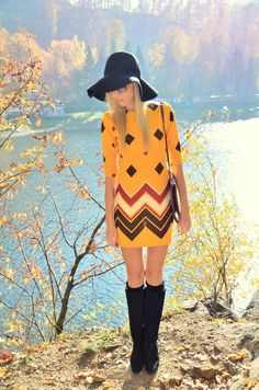 Seventies influenced print with boho accessories l wantering.com