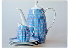 ARZBERG 2025  GOLDENE MEDAILLE  XI. TRIENNALE  MAILAND 1957 Kettle, Tea Pots, Kitchen Appliances, Colours, Texture, Tableware, Ideas, Diy Kitchen Appliances, Surface Finish