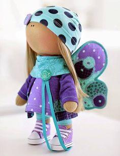Me encantan las muñecas rusas, con un mismo patrón puedes sacar miles de muñecas diferentes, tan solo cambiándoles el pelo y vestuario. Es más incluso puedes modificar la cara si no te gusta o pref…