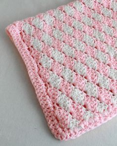 Shell Crochet Stitch Change Color Every Row Pattern by Maggie Weldon | Maggie's Crochet Blog