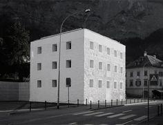 Valerio Olgiati | Das Gelbe Haus, 1999 Flims