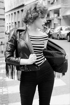 How to dress like a greaser girl - QuoraYou can find Rockabilly style and more on our website.How to dress like a greaser girl - Quora Look Fashion, Retro Fashion, Autumn Fashion, Vintage Fashion, Feminine Fashion, Pin Up Fashion, Modern 50s Fashion, Fashion Black, Lolita Fashion