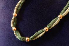 Collana in Tricotin (due tonalità di verde)