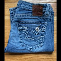 "Distressed Big Star Jeans EUC with areas of distress noted at both front pockets and minor wear at both bottom hems. Soft, worn in (not stiff), made from 99% cotton, 1% elastane. These are Hazel style, curvy fit design. Size 26 Regular. Front rise 8"", inseam 30"". Big Star Jeans"