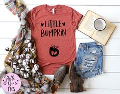 Little Bumpkin Shirt, Funny Fall Pregnancy Announcement Tee, Cute Autumn Baby Reveal, Funny Pregnancy Reveal, Cute Womens Unisex Soft Tee Mom Shirts, Cute Shirts, Funny Shirts, T Shirts For Women, Pregnancy Humor, Pregnancy Shirts, Fall Pregnancy Announcement, Fall Maternity, Mommy And Me Outfits