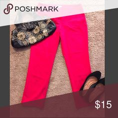 Coral NY&C Business Pants Sz 8 Almost new! Never really worn it because it didn't fit me right. If you have any questions please don't hesitate to ask and remember to save by bundling. Don't forget to offer; no offer is not seriously considered 🙏🏽 New York & Company Pants Ankle & Cropped
