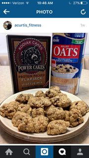 These Kodiak Cakes high protein cookies are made with Kodiak Cakes Power Cakes mix, dark chocolate chips and oats. Grab a box of Kodiak Cakes and try 'em! Protein Muffins, Protein Cookies, Cookies Healthy, Protein Cake, Healthy Baking, Healthy Desserts, Protein Foods, Oat Cookies, Whey Protein