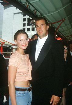 Katherine Heigl and Steven Seagal outside the Chinese Theatre at the premiere in July 1995.