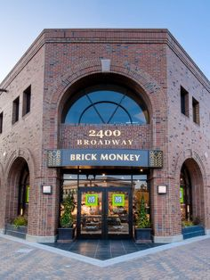 Brick Monkey  Redwood City Wonderful custom furniture and great decorators to help you with all your needs.