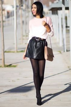 Light-pink-pull-bear-sweater-black-blanco-skirt
