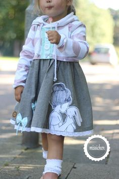 Good evening tonight i finally got you back .- Guten Abend ♥ Heut Abend habe ich euch endlich mal wieder die mini-Schwester m… Good evening ♥ Tonight I finally brought you the mini sister again! :] You have a whole lot here … - Girls Fall Outfits, Baby Outfits, Girls Dresses, Toddler Outfits, Kids Fashion Blog, Baby Girl Fashion, Toddler Girl Style, Baby Sewing, Hats For Men