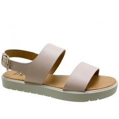 Ugly Sandal DM Couro Bege Nude. Fivela dourada na lateral que facilita o calce. Forro e palmilha bege. Salto 2 cm e solado antiderrapante br...