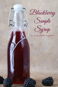 Simple syrups are such a great way to flavor cocktails and homemade sodas and they're super easy to make. After not being able to find Blackberry Cordial at the grocery store for a cocktail recipe, I decided to alter it a bit and make some homemade Blackb Blackberry Syrup, Blackberry Recipes, Salsa Dulce, Homemade Syrup, Homemade Liquor, Liqueur, Sweet Sauce, Diy Décoration, Canning Recipes