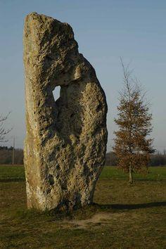 La pierre percée   Mairie de Draché